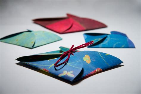 How To Make Gift Card Holders Out Of Paper - and personalized gift card holder