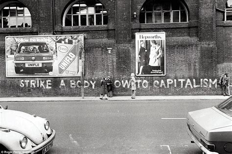 book  londons graffiti    spray painting wasn