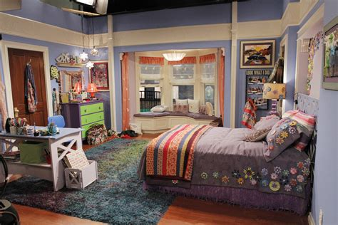 alex russo bedroom steal rowan blanchard s bedroom from girl meets world 2