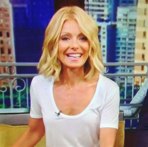 kelly ripa with curls kelly ripa hair i like this but i would want it a bit