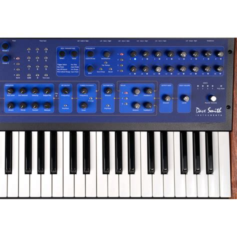 Keyboard Synthesizer disc dave smith instruments poly evolver keyboard