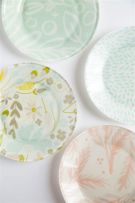 decoupage plates with fabric and loisdiy fabric lined glass plates and lois