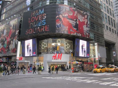 Hm 01 New by H M Times Square Factice Studio