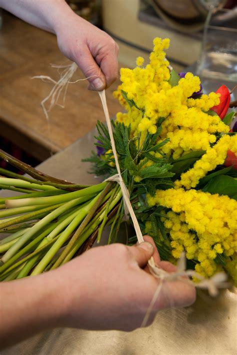 Fleurs D Hiver Pour Bouquet by Composer Un Bouquet De Fleurs D Hiver Diy Family