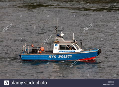 pictures of police boats new york city police boat new york city police boat