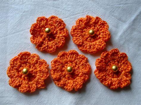 fiori uncinetto cotone fiori arancioni di cotone all uncinetto materiali