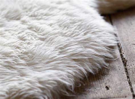 tappeto di pecora oltre 25 fantastiche idee su tappeto per da letto