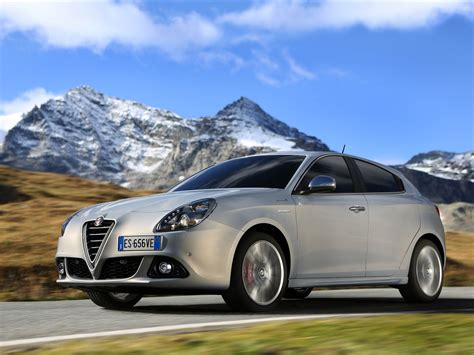 alfa romeo giulietta 2014 car image 34 of 100