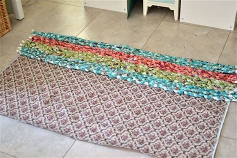 Diy Area Rug From Fabric 8 Stylish Diy Rugs For Your Home Diy To Make