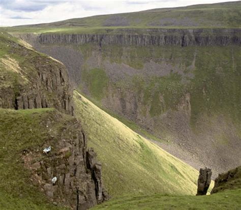 and the pennine way 5 days 90 what could possibly go wrong books pennine way walking holidays and hiking tours in