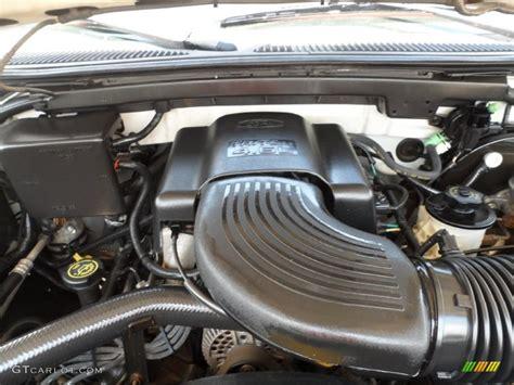 ford  xlt extended cab  liter sohc  valve triton  engine photo