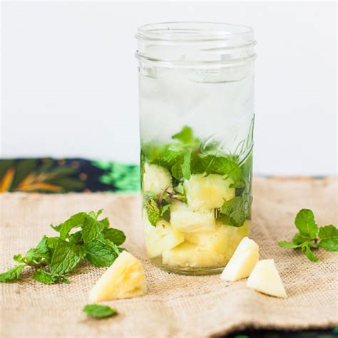 Detox Water Recipes With Pineapple by Diy 26 Fruit Infused Water Recipes To Detox Yourself