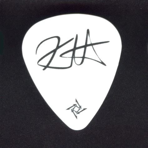 kirk hammett spider guitar kirk hammett guitar pick metallica spider pick with red