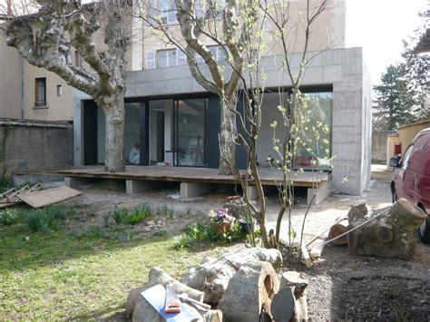 Extension Terrasse Beton by Extension B 233 Ton Verre D Un Rez De Chauss 233 E D Immeuble 224
