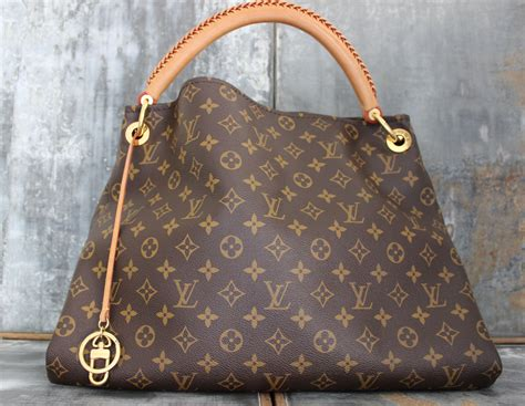 louis vuitton monogram canvas artsy mm shoulder bag