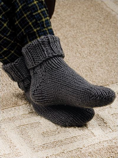 knitting pattern for socks in chunky wool free accessory knitting patterns ribbed toe up slipper