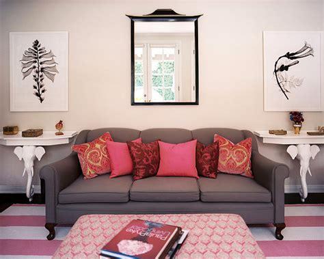 tips  displaying  hanging wall art