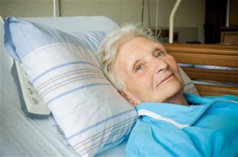 woman in hospital bed 5 best pain management tips for the homebound inspire