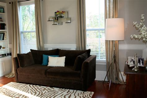 what goes with a brown couch what color curtain goes with dark brown furniture 2 wall