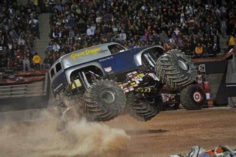 grave digger the legend monster truck 125 best images about monster trucks on pinterest