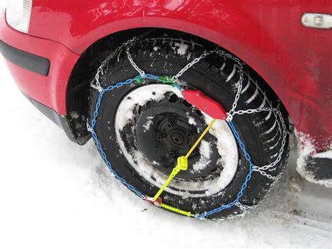 cadenas nieve dacia duster come montare le catene da neve a rombo la tua auto