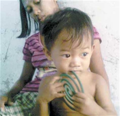 Obat Nyamuk Dari Pasir potret kemiskinan anak negeri aneh di dunia