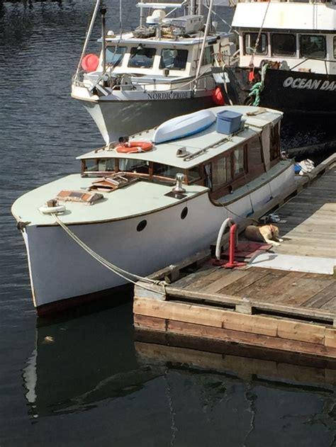 best small cuddy cabin boats best 25 cuddy cabin boat ideas on pinterest cabin