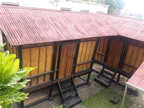Tempat Dupa Dinding Besar Logam foto wisata sejarah ke museum rumah kelahiran bung hatta