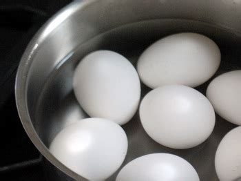 how to get eggs to room temperature how to bring eggs to room temperature baking bites