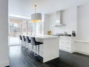 beautiful Cuisine Avec Ilot Pas Cher #5: meubles-cuisine-ikea-blancs-ilot-central-plans-travail-marbre.jpg