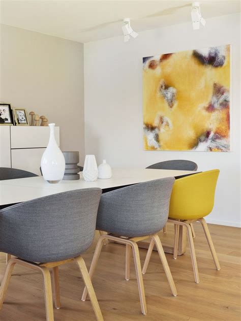 pinterest pictures of yellow end tables with gray tafel met verschillende stoelen interiorinsider nl