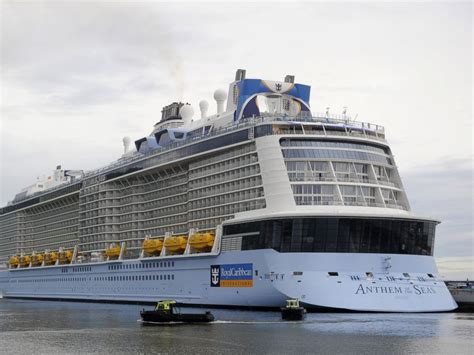 royal caribbean largest ship largest cruise ship of royal caribbean pinterest