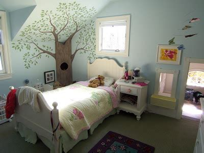 pictures of malia and sasha bedroom sasha and malia s white house carving out space bossy