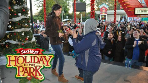 Guinness World Record For Marriage Seven Six Flags Amusement Parks Set A Mistletoe World Record