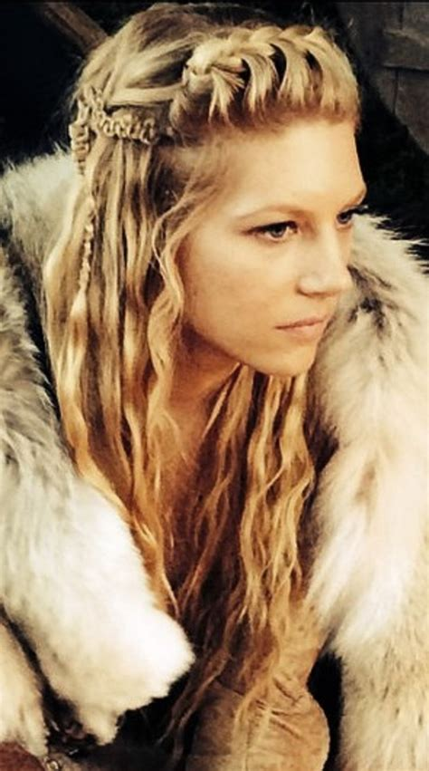 vikings hairstyles how to lagertha s hair never disappoints pinteres