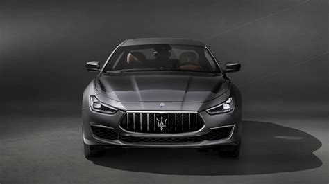 the new maserati maserati releases images of the new ghibli granlusso