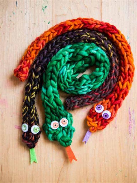 knit finger 25 best ideas about finger knitting on finger