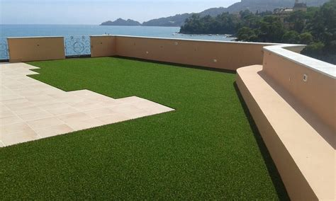 erba finta per terrazzi arredo giardini oggi e un vero cult grazie all erba