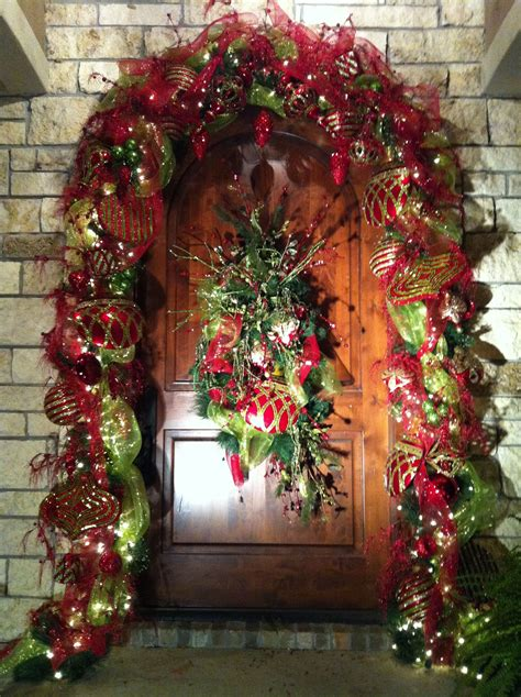 entry  front door christmas decorating ideas