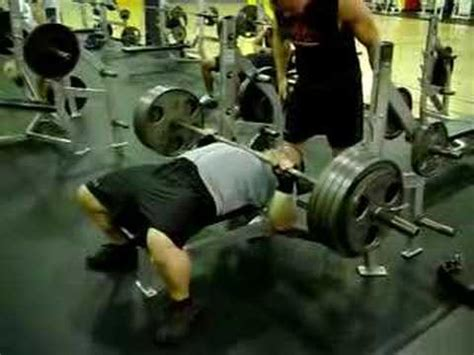 220 bench press bench press 475 raw at 220 lbs perfect form all natural