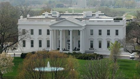 trump s temporary working vacation while white house is renovated u s politics white house set for renovations as trump goes on working