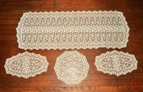 Lace Dresser Scarves by Gorgeous Vintage Lace Dresser Scarf Or Table Runner Set
