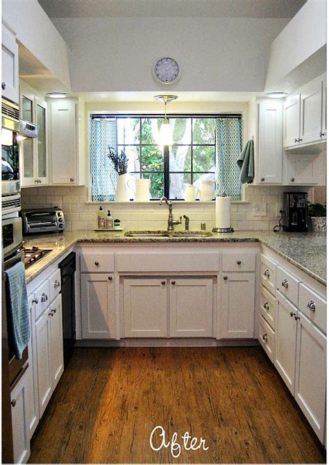 """Before & After: Carolyn's """"Yucky"""" 1980s Kitchen   Hooked"""