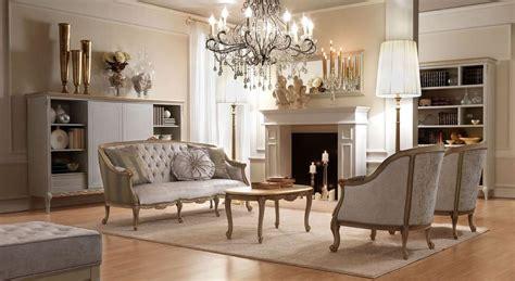 poltrone eleganti elegante poltrona dal design classico in legno intagliato