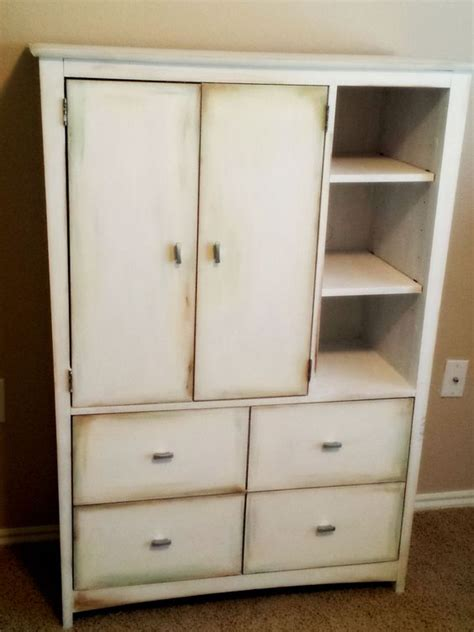 Particle Board Dresser by How To Paint Particle Board Furniture With Chalk Paint