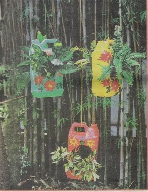 design bunga plastik kreasi bunda pot gantung dari jerigen bekas