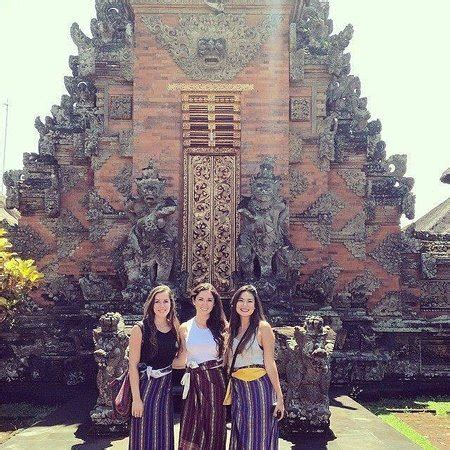 The Miracle Of Bali The Miracle Of Batuan Temple Picture Of Laughing Buddha Bali Tours Ubud Tripadvisor