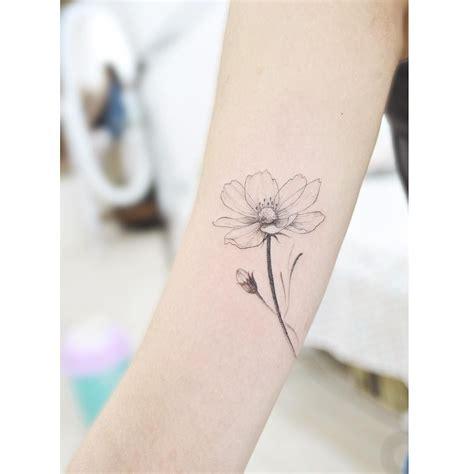 october flower tattoo october flower cosmo 183 ink 183 october