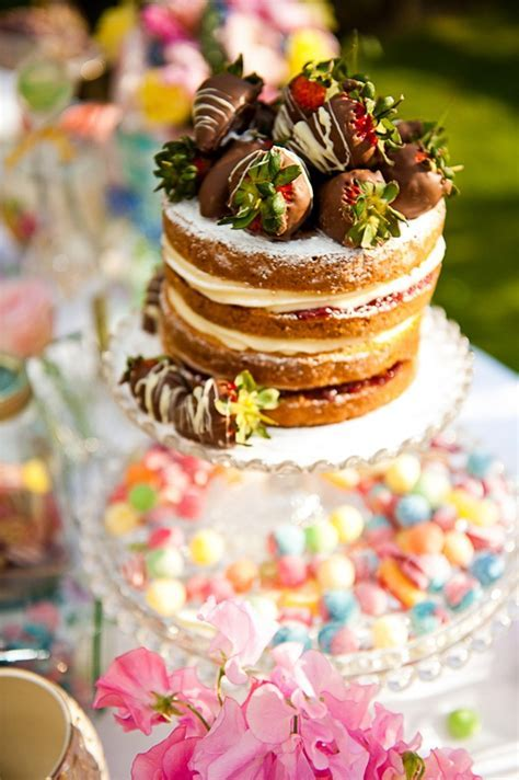 victoria sponge wedding cake 1   Fab Mood   Wedding