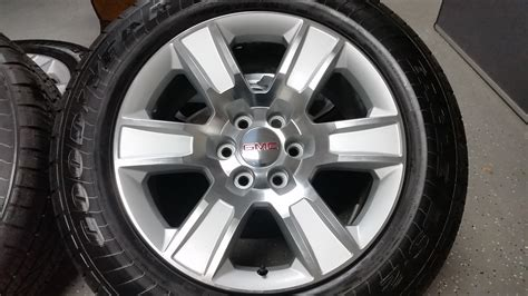 20 gmc wheels 20 quot gmc silver and machined 7 bar oem